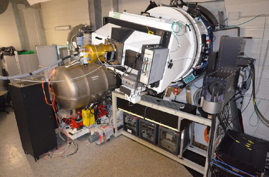 Fotografia che mostra GIANO-B e HARPS-N montati nello stesso fuoco del TNG, configurazione finale per lo strumento GIARPS